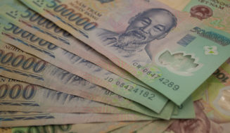 Какую валюту брать с собой во Вьетнам