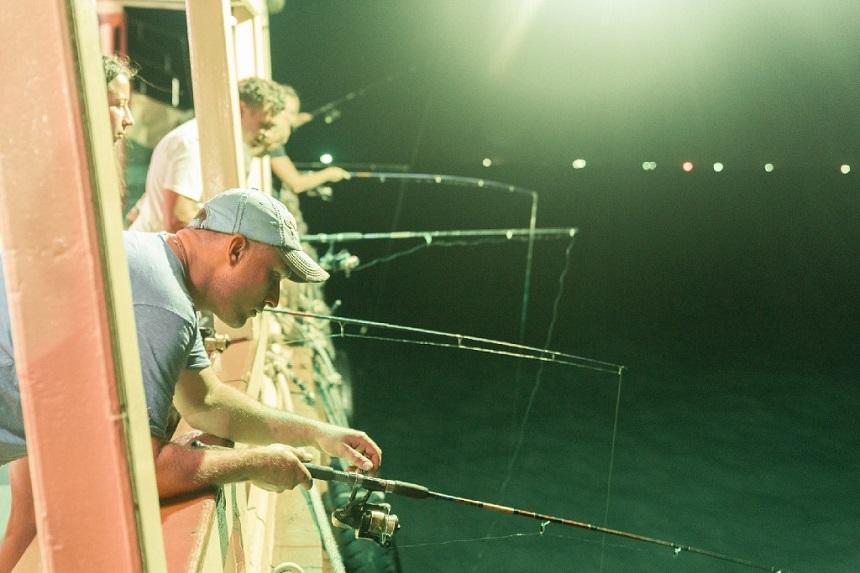 Ночная рыбалка на кальмаров