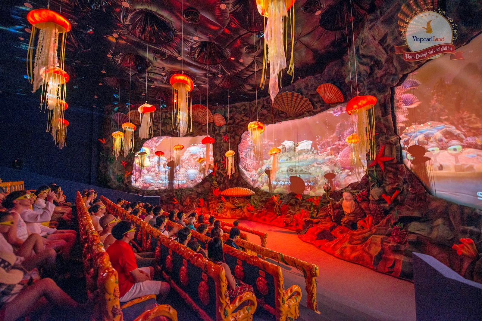 Кинотеатр на острове