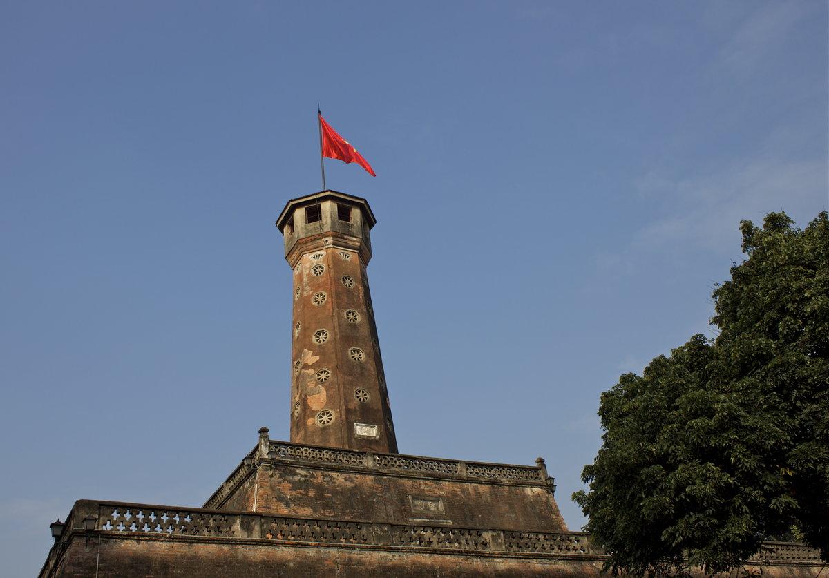 Фото флаговой башни