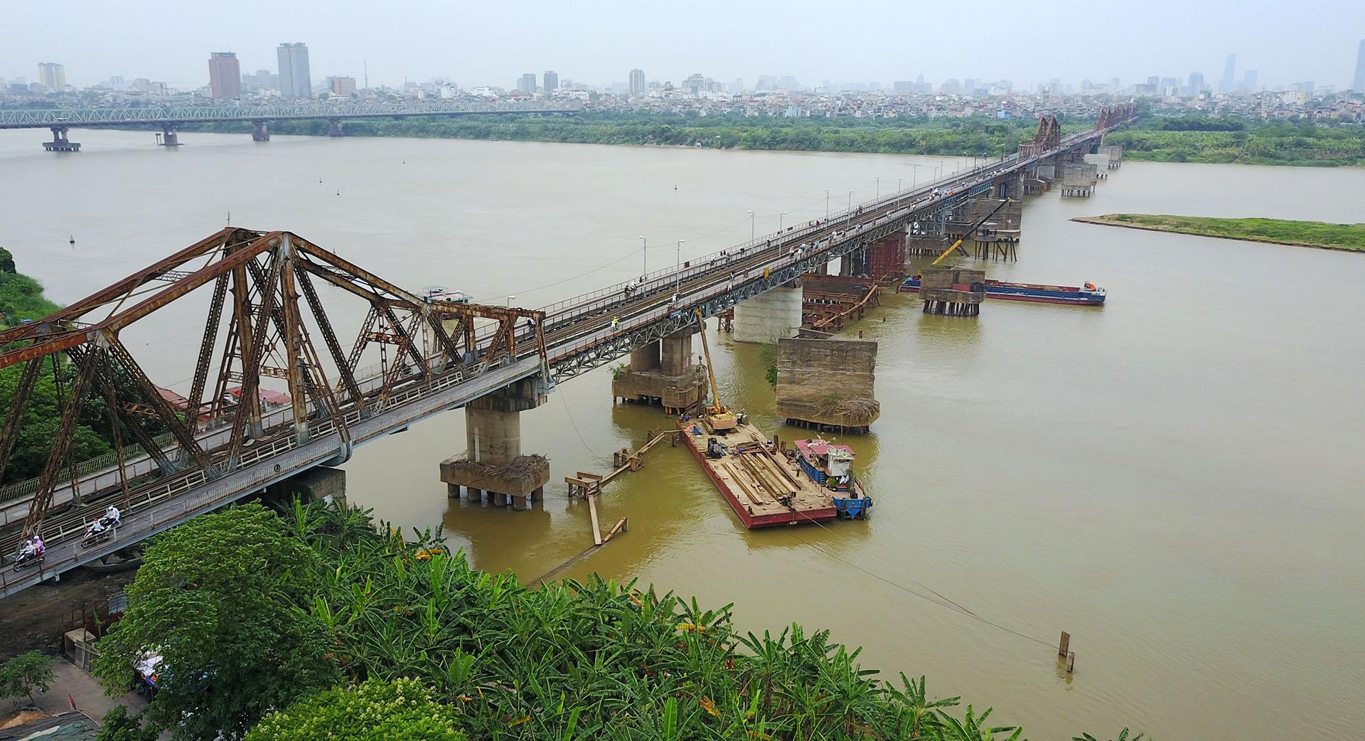 Фото моста Лонг Бьен