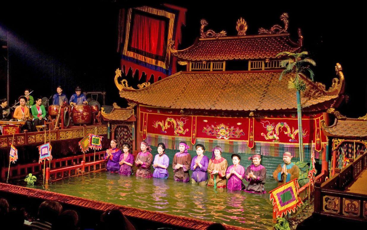 Фото кукольного театра на воде