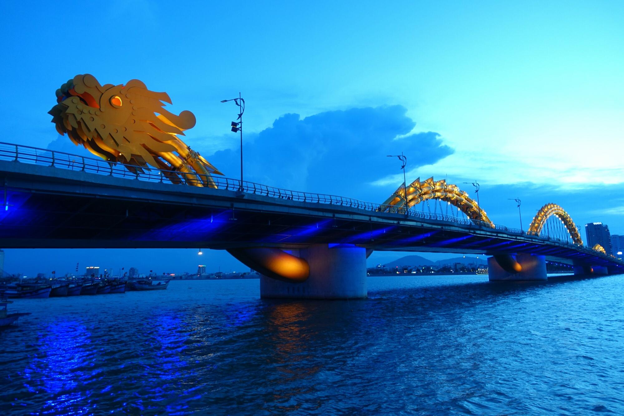 Так выглядит Драконов мост