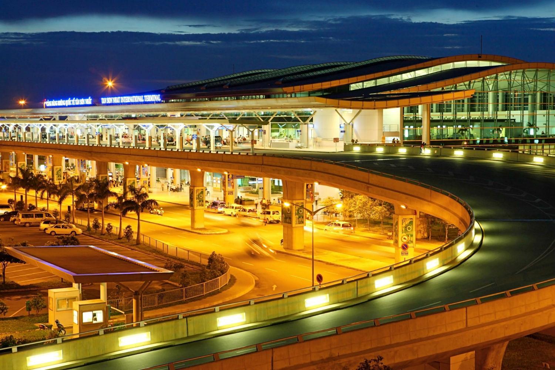 На фото аэропорт в Хошимине