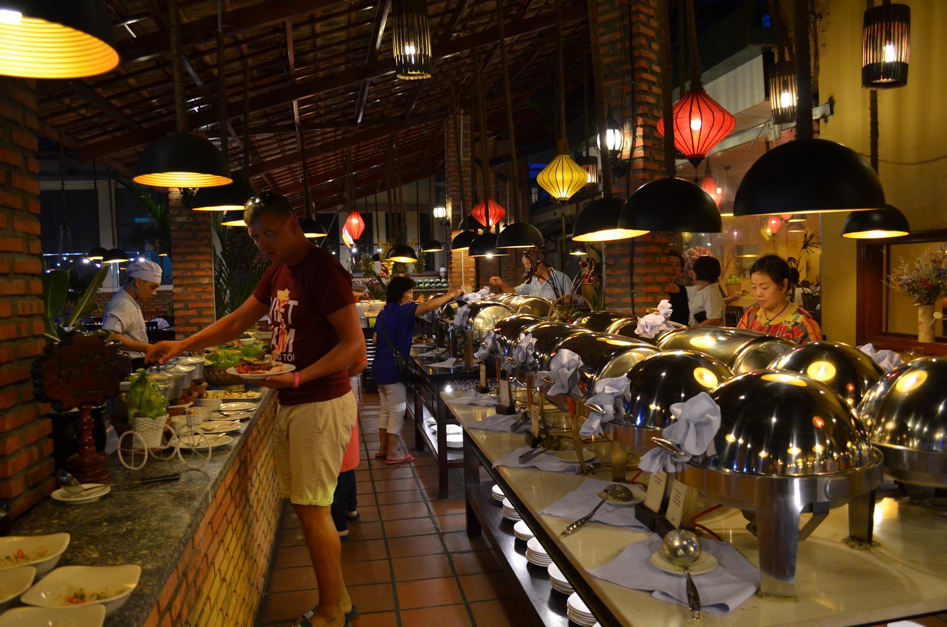 Стоимость еды в ресторанах