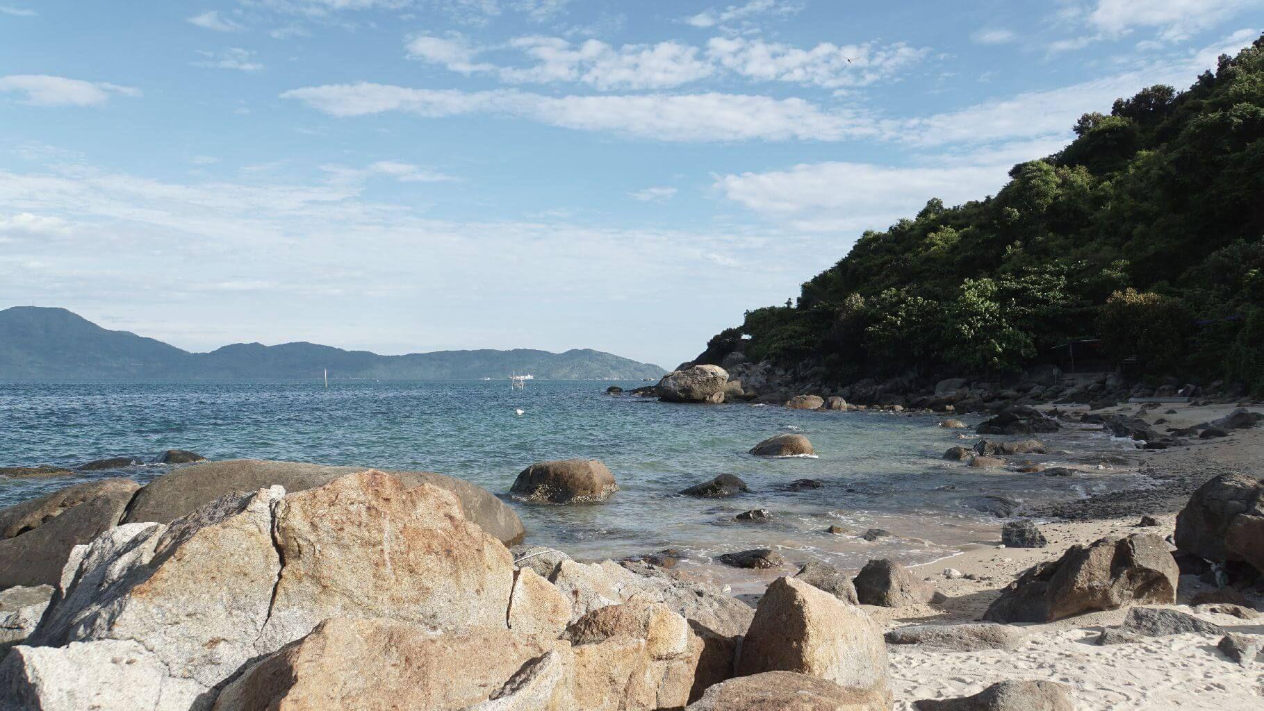 Фото пляжа Черные камни