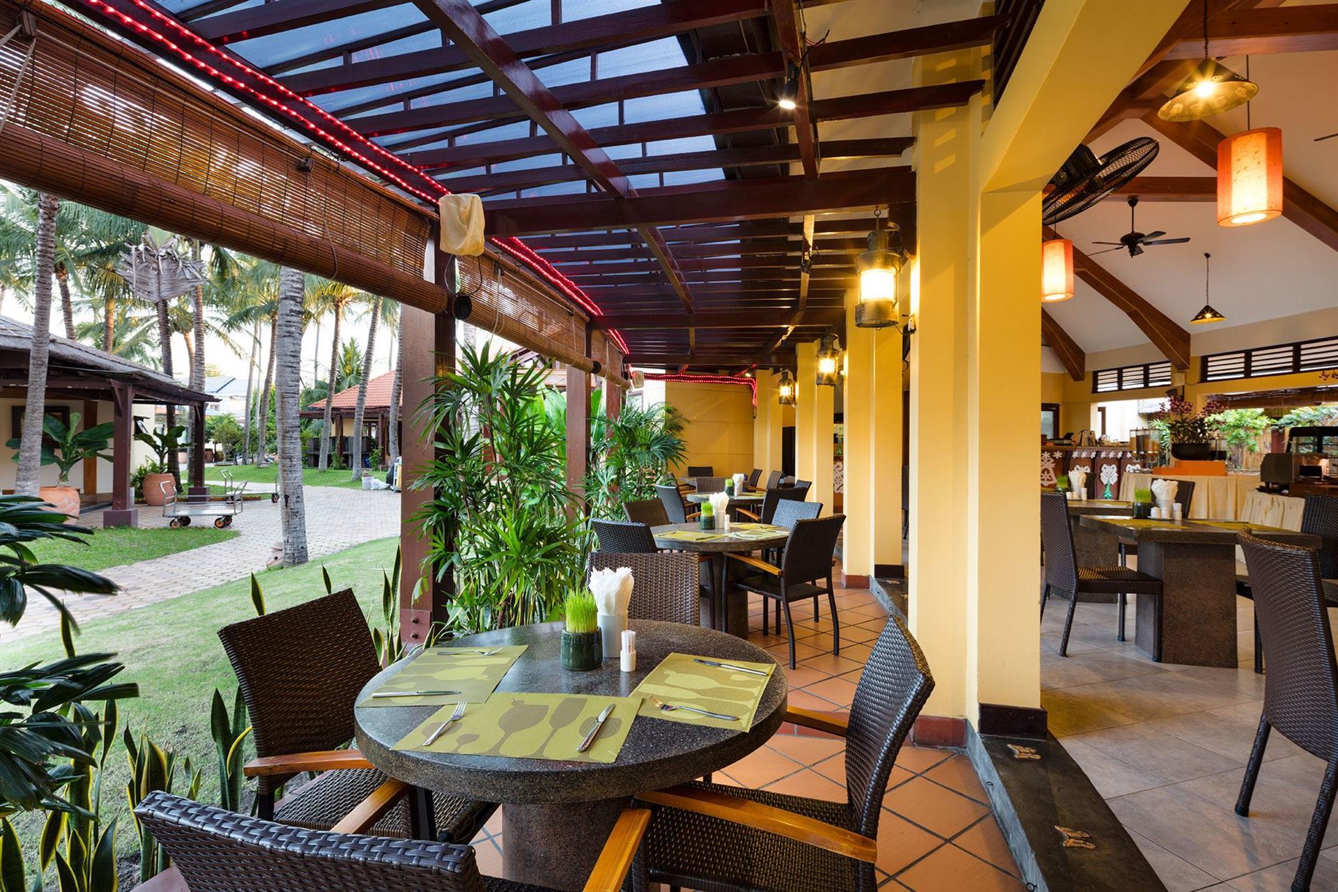 Фото ресторана в Terracotta Resort 4