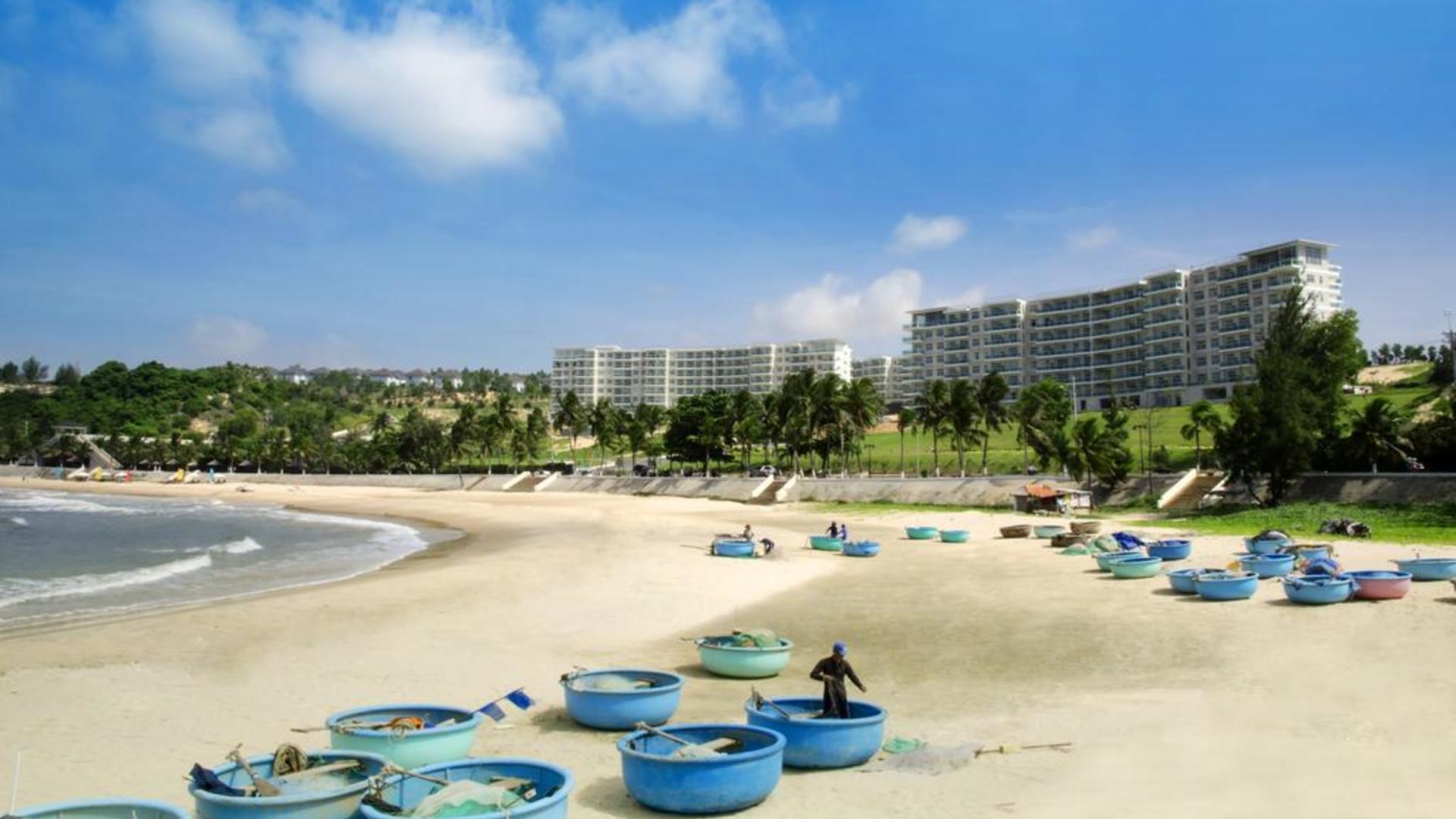 Фото пляжа у отеля Ocean Vista