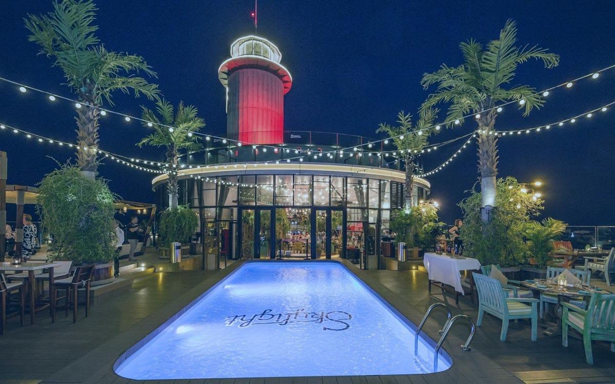 Фото Skylight 360° Rooftop Bar